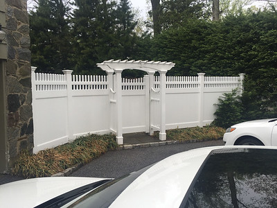 Montauk Point Straight Fence with Arbor