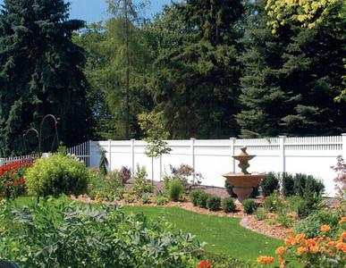 Montauk Point Straight Fence