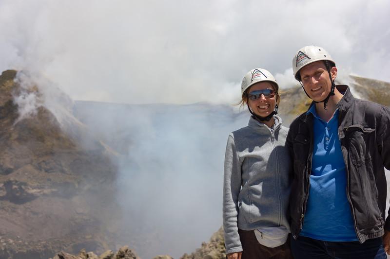 Közös kép a kráter peremén