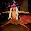 Indiandans istället för dans runt granen