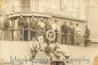 "crew of US Tug ""Fred E Richards"", 1919"