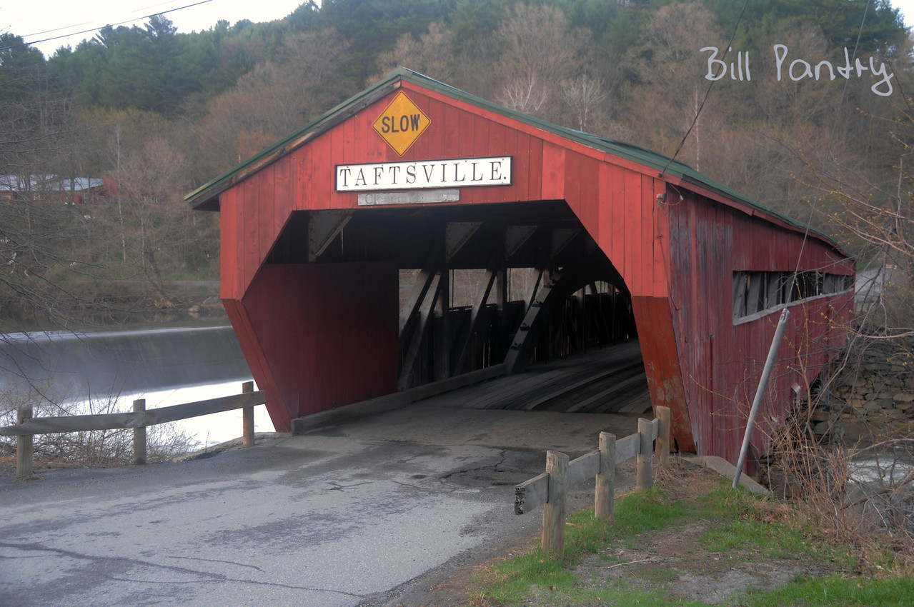 covered bridge, Taftsville, Vermont