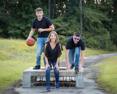 2019_Domogalick-Family-511-Edit_Up-to-8x10