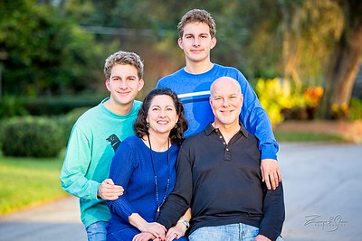 2019_Uricchio-Family_017_SCREEN-RES-WM