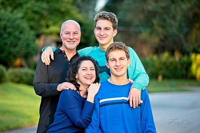 2019_Uricchio-Family_029_SCREEN-RES-WM
