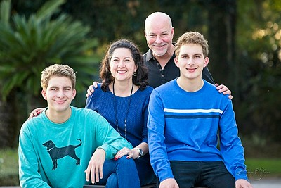 2019_Uricchio-Family_015_SCREEN-RES-WM
