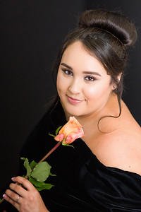 2019_Vanessa-Senior-537-Edit_Up-to-8x10