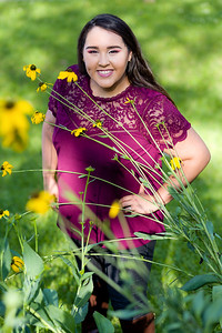 2019_Vanessa-Senior-824-Edit_Up-to-8x10