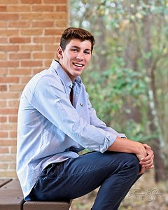 SENIOR_Collin-Fuchs_015_SCREEN-RES