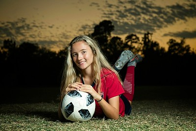 2019_TORI-SENIOR-Soccer41_SCREEN-RES-WM
