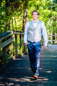 2018_Zach-Hansen_SENIOR-558-Edit-2_Up-to-8x10