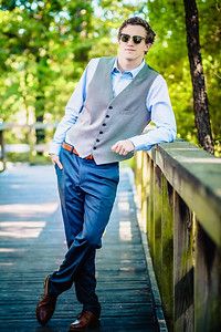 2018_Zach-Hansen_SENIOR-605-Edit_Up-to-8x10