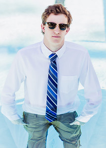 2018_Zach-Hansen_SENIOR-314-Edit_Up-to-8x10
