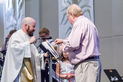 Pastor_2018_SOJOY_Easter-Services-916