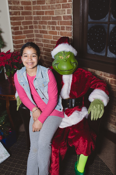 grinch-dec-13-cotton-cafe-0018
