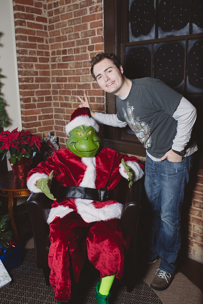 grinch-dec-13-cotton-cafe-0002