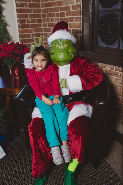 grinch-dec-13-cotton-cafe-0032