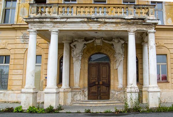 Another great house in need of restoration | Mariánské Lázně, Karlovarský kraj The Czech Republic