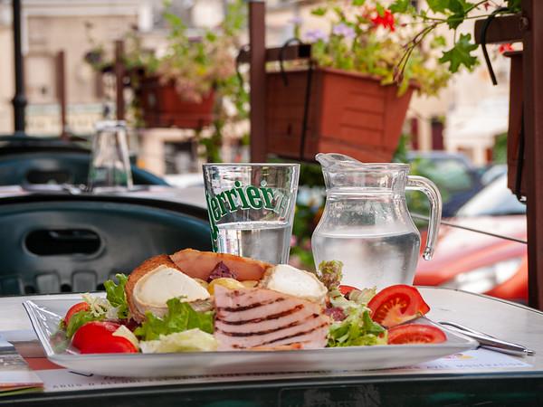 Lunch in Doue-la-Fontaine | Doué-la-Fontaine, Pays de la Loire, France