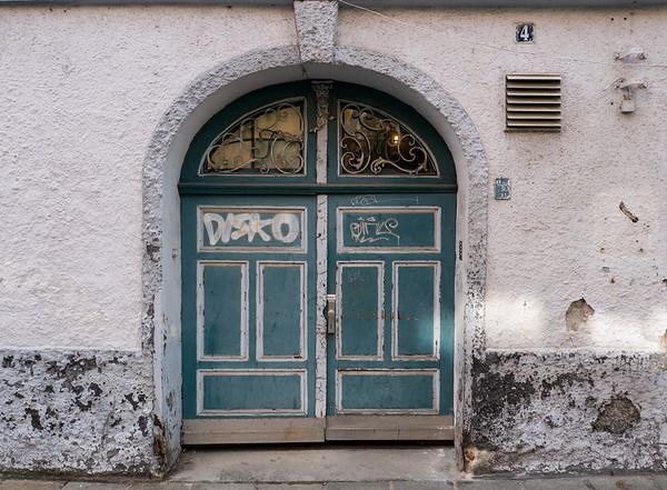 Interesting doorway on the Altstadt | Augsburg, Bayern Deutschland