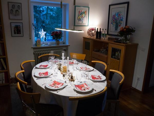 The table is set for Regina's birthday dinner | Augsburg, Bayern Deutschland