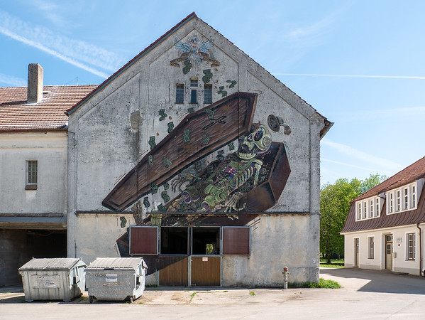 Strange mural for a convent town | Eresing, Bayern, Deutschland