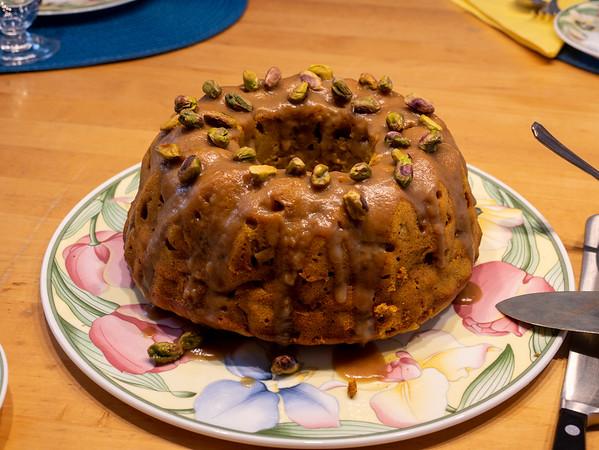 Pumpkin-apple cake with caramel glaze | Augsburg, Bayern, Deutschland