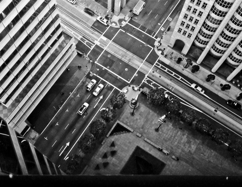 Looking down at the intersection of California & Kearny.