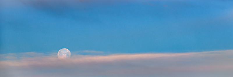 Super Ice Moonset