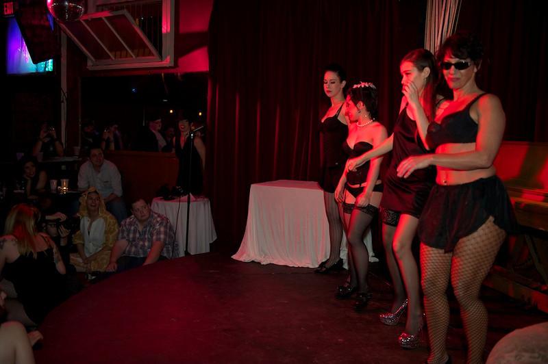 Burlesque101_22611_SIU9971