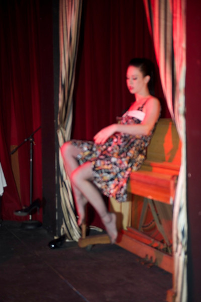 Burlesque101_22611_SIU9768