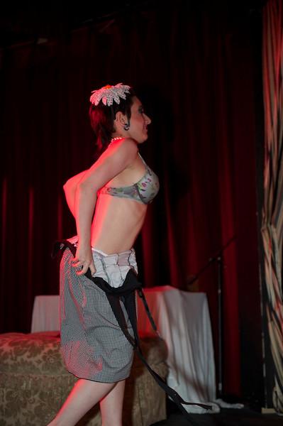 Burlesque101_22611_SIU9920