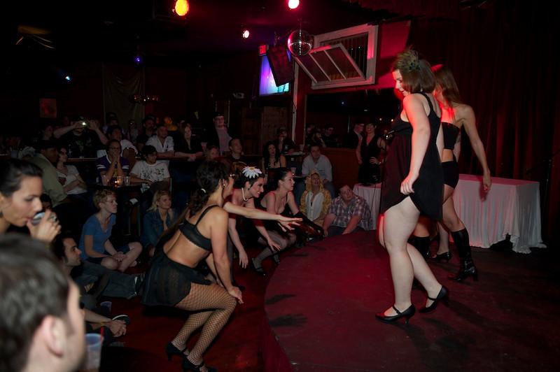 Burlesque101_22611_SIU9968
