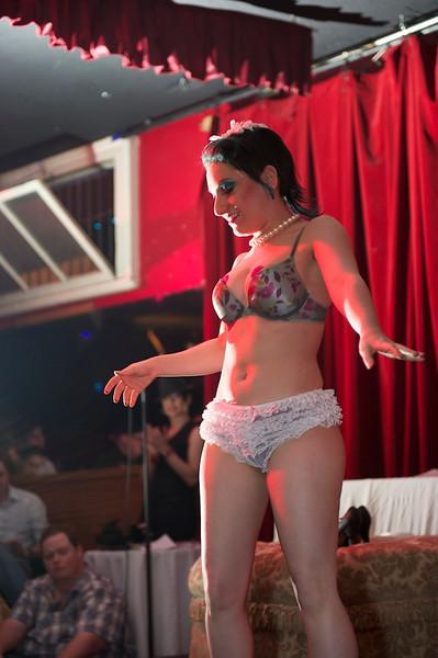Burlesque101_22611_SIU9922