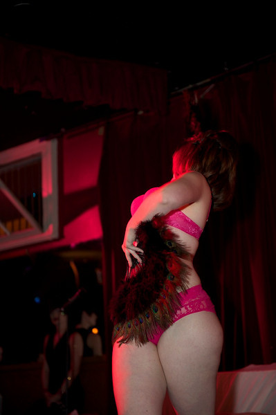 Burlesque101_22611_SIU9857
