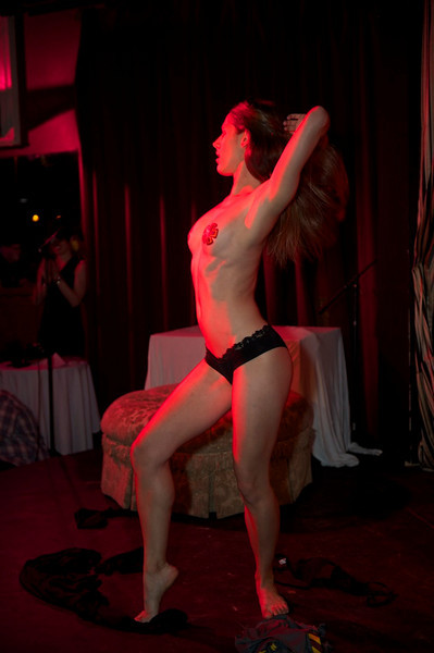Burlesque101_22611_SIU9908