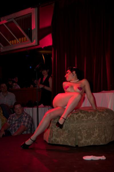 Burlesque101_22611_SIU9941