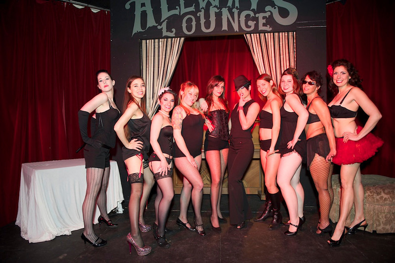 Burlesque101_22611_SIU9996
