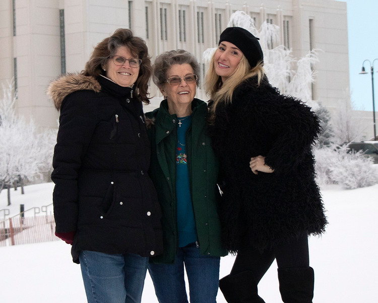 Donna Perdue, Naomi Farley and Samm Stangeland
