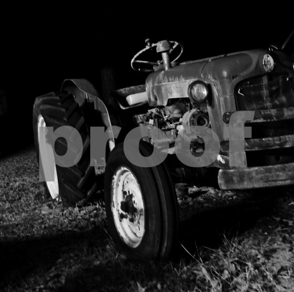 tractor with armbreaker knob on the steering wheel, black&white