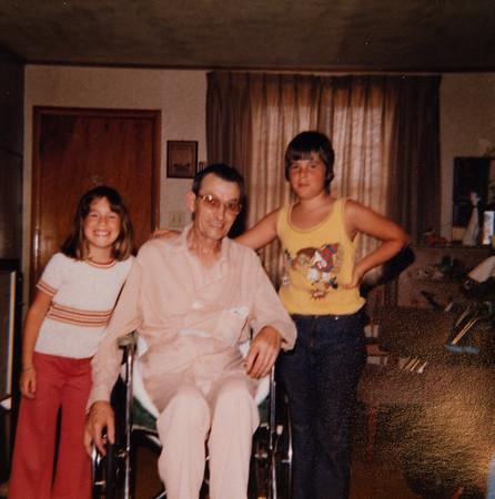 [June 19, 1977.  Jenni, Grandpa + Greg]  Grandpa Rains, very sick with lung cancer.