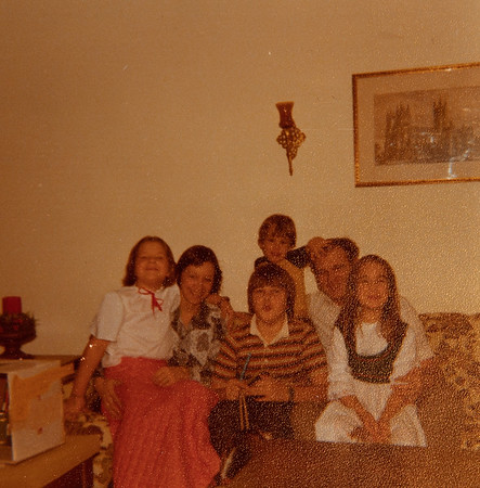 [Dawn, Karen, Greg, Chris, Larry + Jennie 12/29/77.]