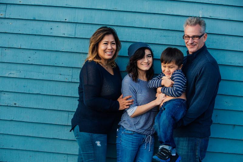 Francisco Family Portraits-220-9665.jpg