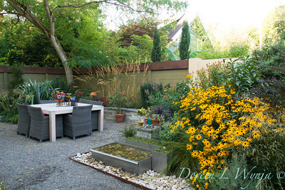 Outdoor dining Rudbeckia fulgida Rubinstern Landscape_2085