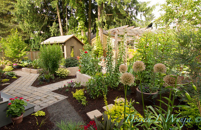 The Moore Garden_0212