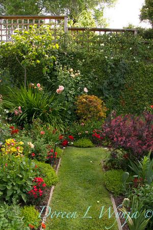 Ann & Greg's Garden_163