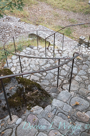 Stonework steps - forged iron railing_4612