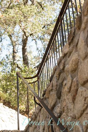 Stonework - forged iron railing_4575