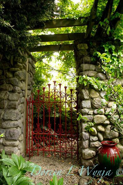 Red Gate_002