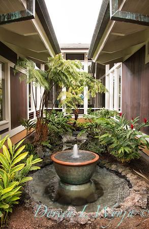 Tropical courtyard fountain_5836